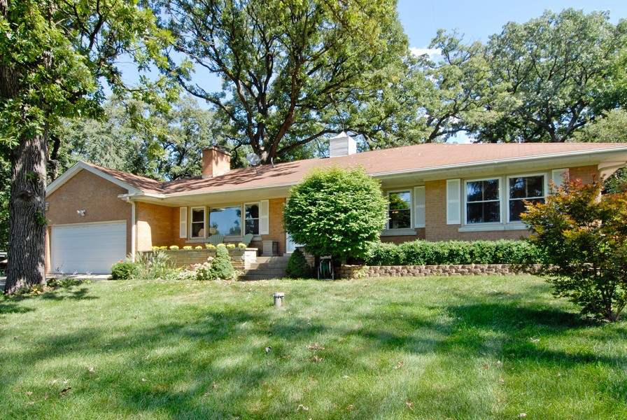Real Estate Photography - 5149 Riverview DR, LISLE, IL, 60532 - Side View