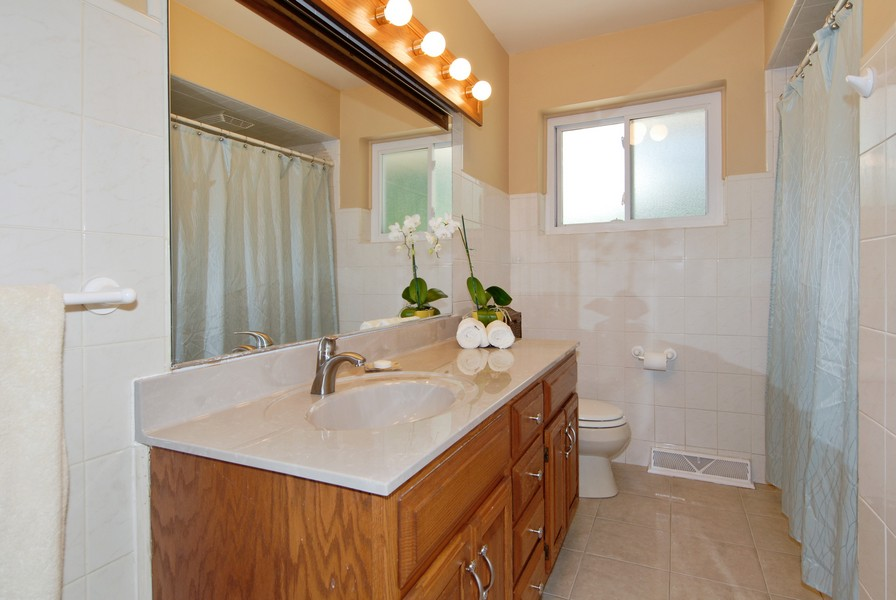 Real Estate Photography - 5149 Riverview DR, LISLE, IL, 60532 - Bathroom