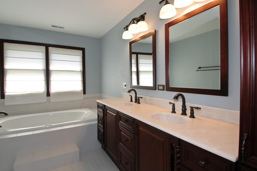 Real Estate Photography - 1143 Palmer CT, CRYSTAL LAKE, IL, 60014 - Master Bathroom