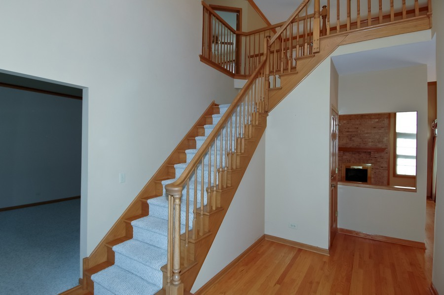 Real Estate Photography - 1143 Palmer CT, CRYSTAL LAKE, IL, 60014 - Staircase