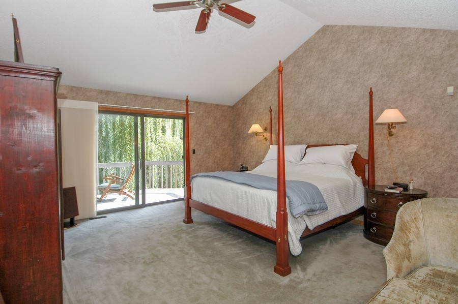 Real Estate Photography - 27148 West Lakeview DR, LAKE BARRINGTON, IL, 60010 - Master Bedroom