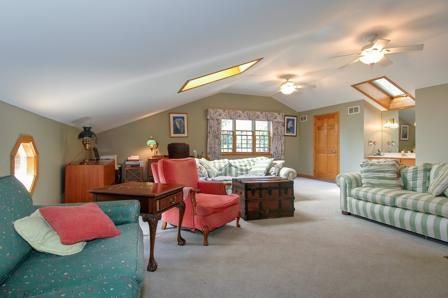 Real Estate Photography - 27148 West Lakeview DR, LAKE BARRINGTON, IL, 60010 - Bonus Room
