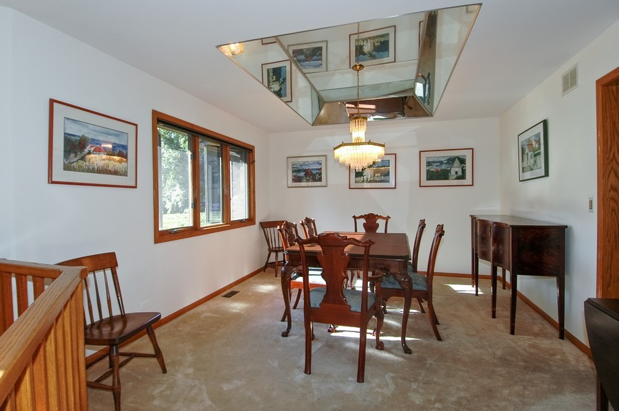 Real Estate Photography - 27148 West Lakeview DR, LAKE BARRINGTON, IL, 60010 - Dining Room