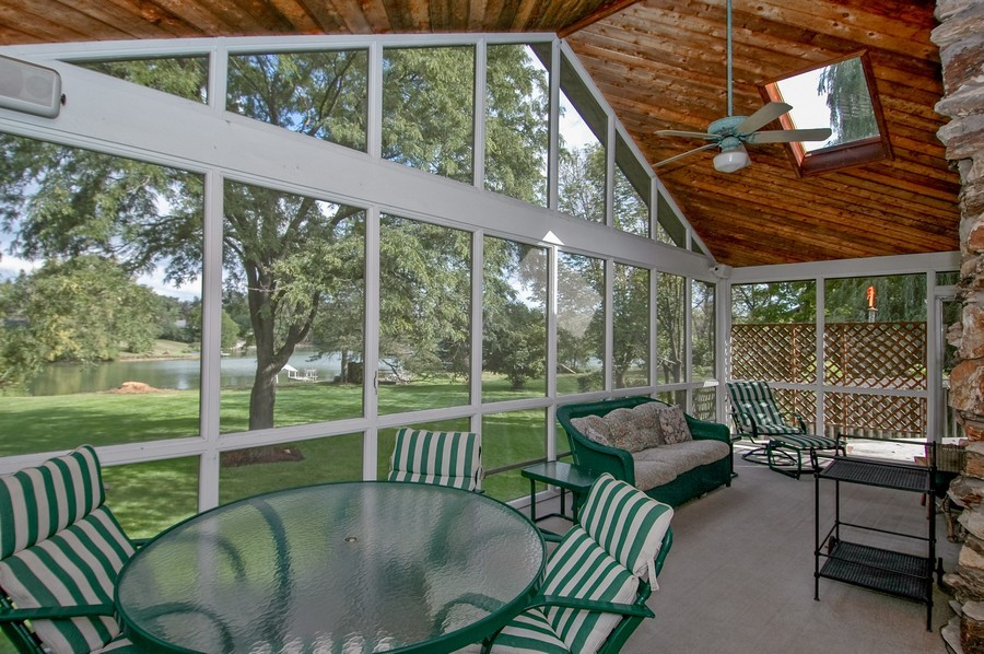Real Estate Photography - 27148 West Lakeview DR, LAKE BARRINGTON, IL, 60010 - Porch