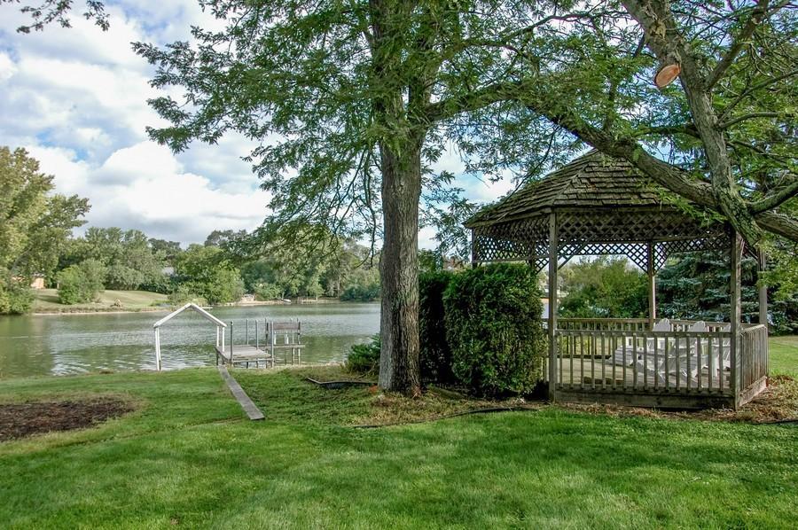 Real Estate Photography - 27148 West Lakeview DR, LAKE BARRINGTON, IL, 60010 - Gazebo
