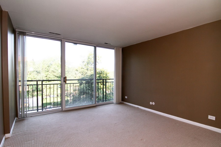 Real Estate Photography - 5820 Oakwood DR, 4A, LISLE, IL, 60532 - Bedroom