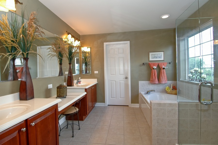 Real Estate Photography - 430 Wentworth Cir, CARY, IL, 60013 - Master Bathroom