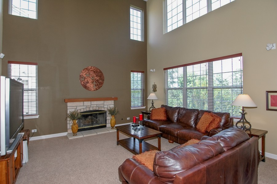 Real Estate Photography - 430 Wentworth Cir, CARY, IL, 60013 - Family Room