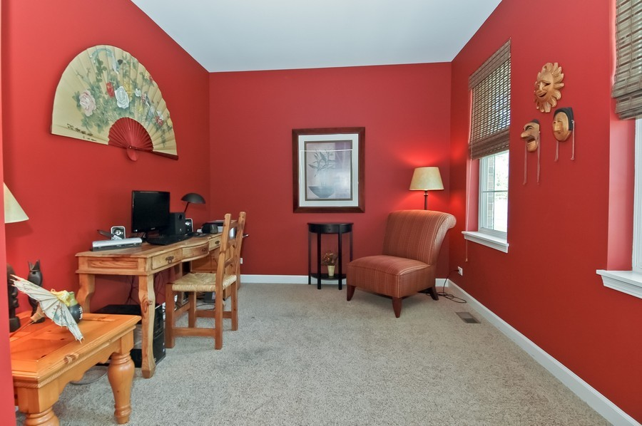Real Estate Photography - 430 Wentworth Cir, CARY, IL, 60013 - Den