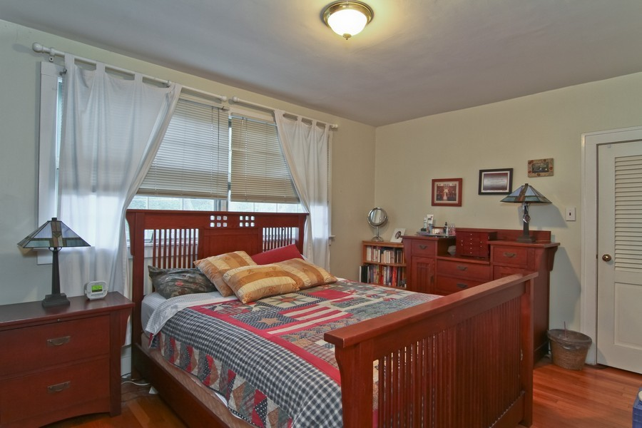 Real Estate Photography - 339 Cottage Ave., Glen Ellyn, IL, 60137 - Bedroom