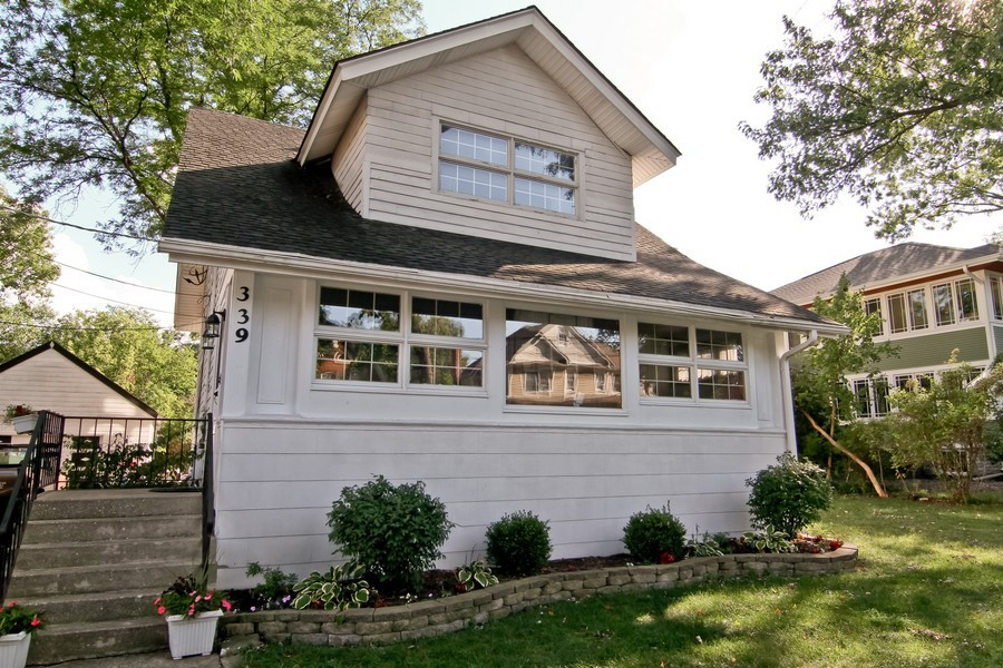 Real Estate Photography - 339 Cottage Ave., Glen Ellyn, IL, 60137 - Front View