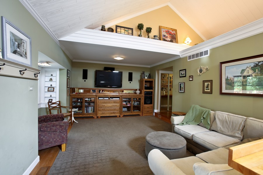 Real Estate Photography - 3230 Drew ST, DOWNERS GROVE, IL, 60515 - Family Room