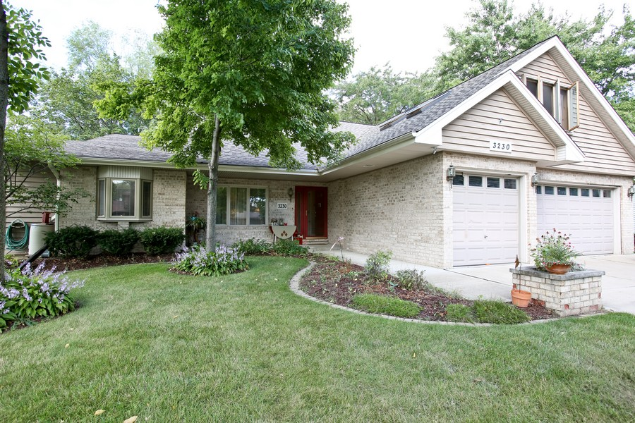 Real Estate Photography - 3230 Drew ST, DOWNERS GROVE, IL, 60515 - Front View