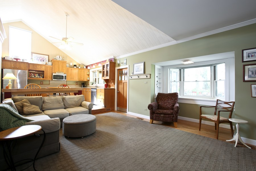 Real Estate Photography - 3230 Drew ST, DOWNERS GROVE, IL, 60515 - Family Room / Kitchen
