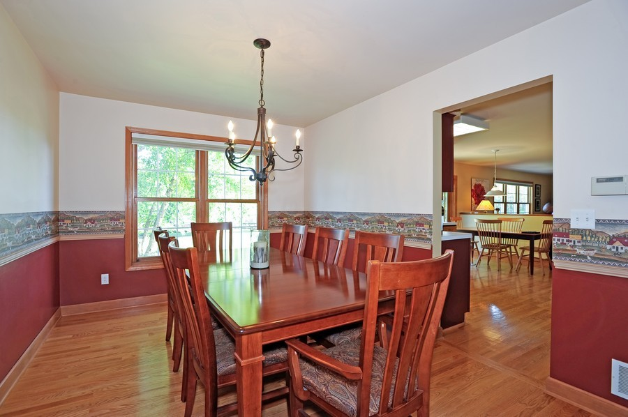 Real Estate Photography - 799 Parker Ct, GENEVA, IL, 60134 - Dining Room