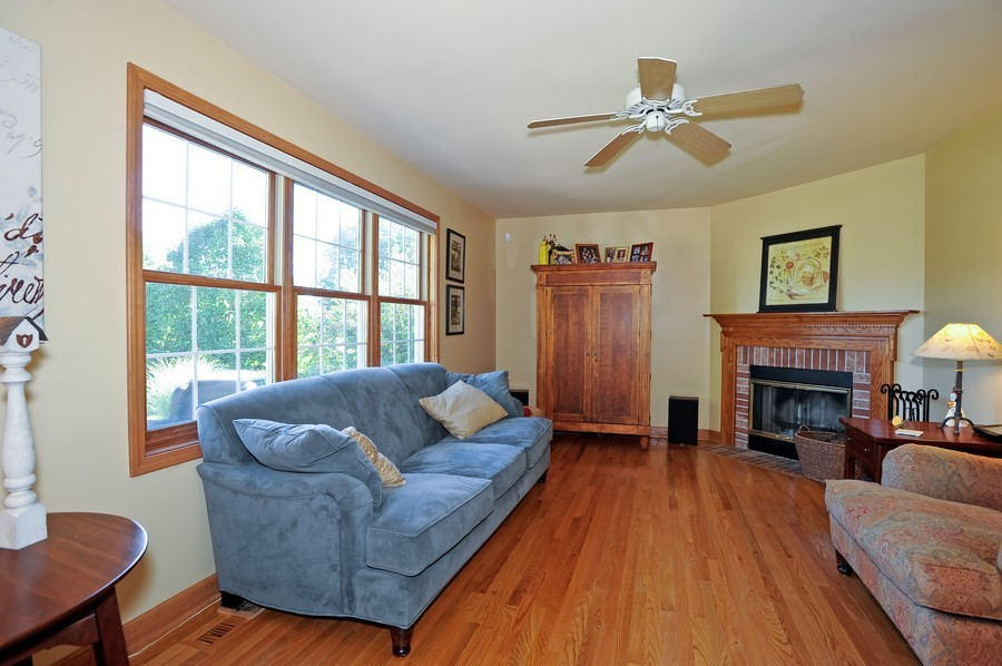 Real Estate Photography - 799 Parker Ct, GENEVA, IL, 60134 - Family Room