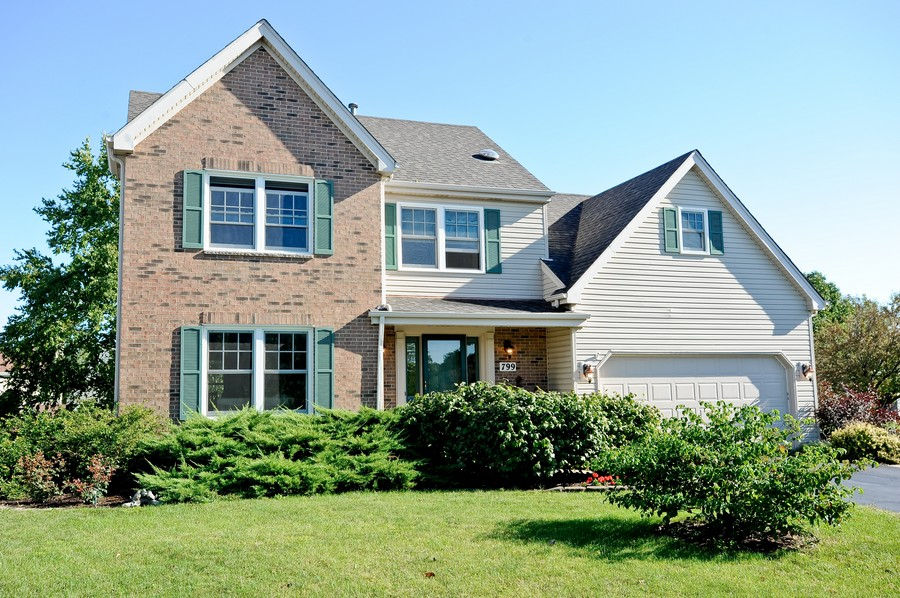 Real Estate Photography - 799 Parker Ct, GENEVA, IL, 60134 - Front View