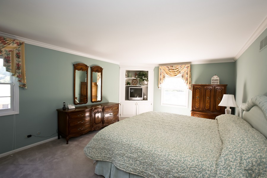 Real Estate Photography - 1450 Wood Ave, Downers Grove, IL, 60515 - Master Bedroom