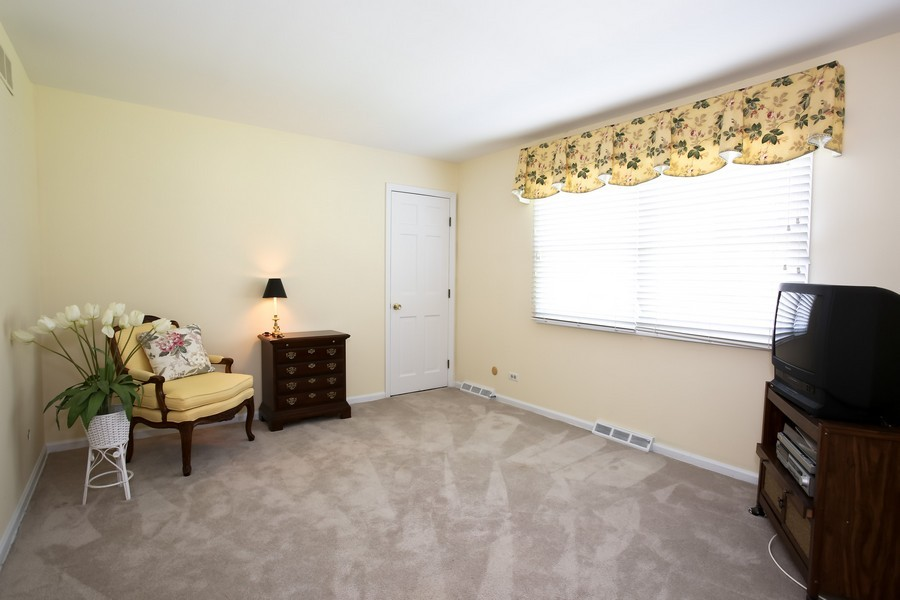 Real Estate Photography - 1450 Wood Ave, Downers Grove, IL, 60515 - Bedroom