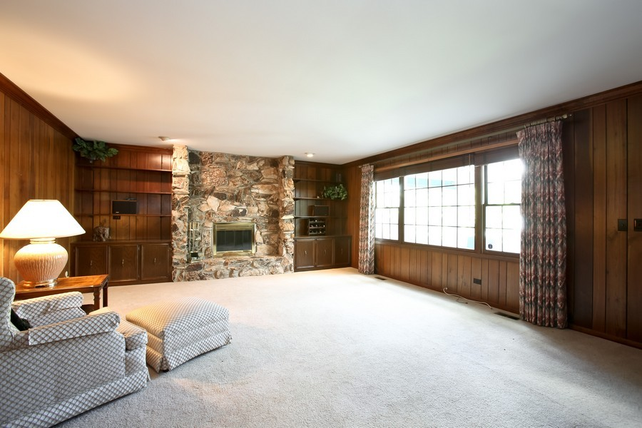 Real Estate Photography - 1450 Wood Ave, Downers Grove, IL, 60515 - Family Room
