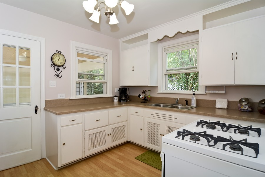 Real Estate Photography - 522 Childs St, Wheaton, IL, 60187 - Kitchen
