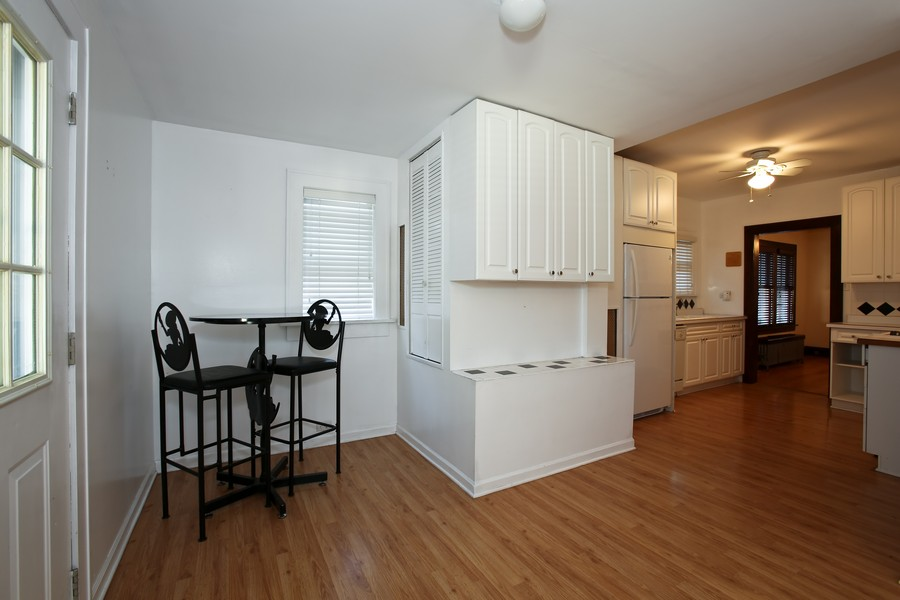 Real Estate Photography - 25 South Summit St, Villa Park, IL, 60181 - Kitchen / Breakfast Room