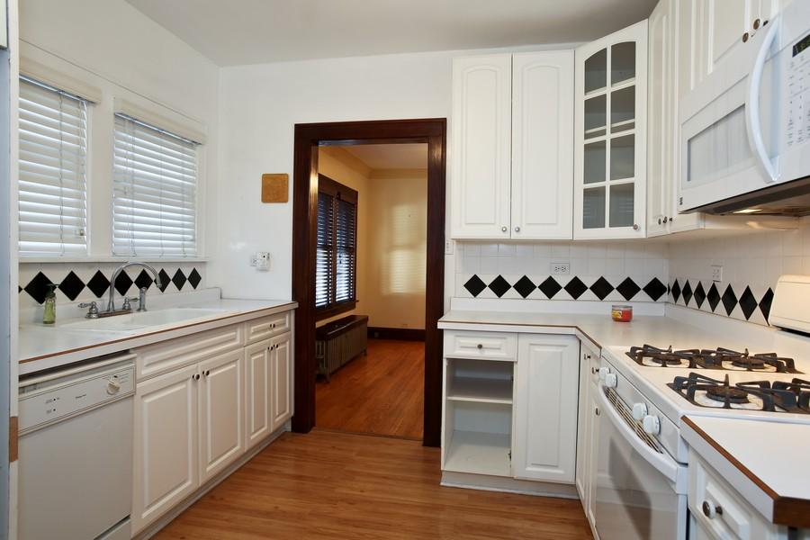 Real Estate Photography - 25 South Summit St, Villa Park, IL, 60181 - Kitchen