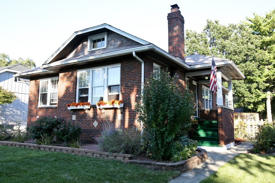 Real Estate Photography - 25 South Summit St, Villa Park, IL, 60181 - Front View