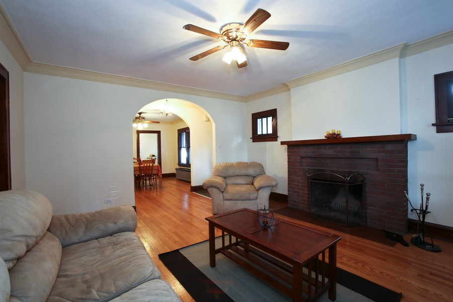 Real Estate Photography - 25 South Summit St, Villa Park, IL, 60181 - Living Room / Dining Room