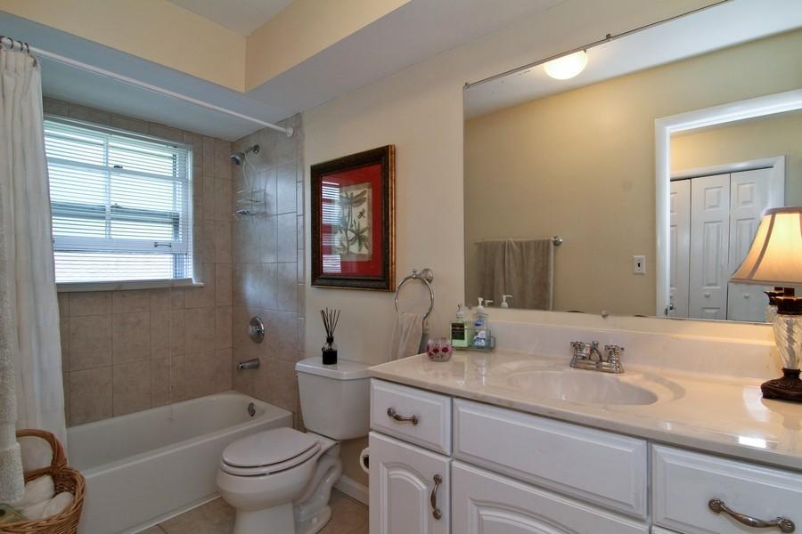 Real Estate Photography - 3 Shagbark Ln, Glen Ellyn, IL, 60137 - Master Bathroom