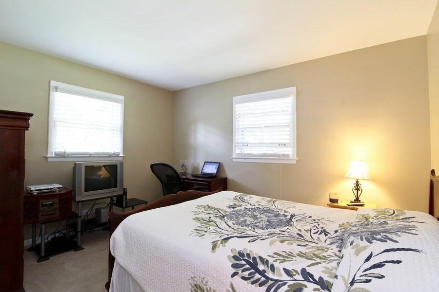 Real Estate Photography - 3 Shagbark Ln, Glen Ellyn, IL, 60137 - 3rd Bedroom