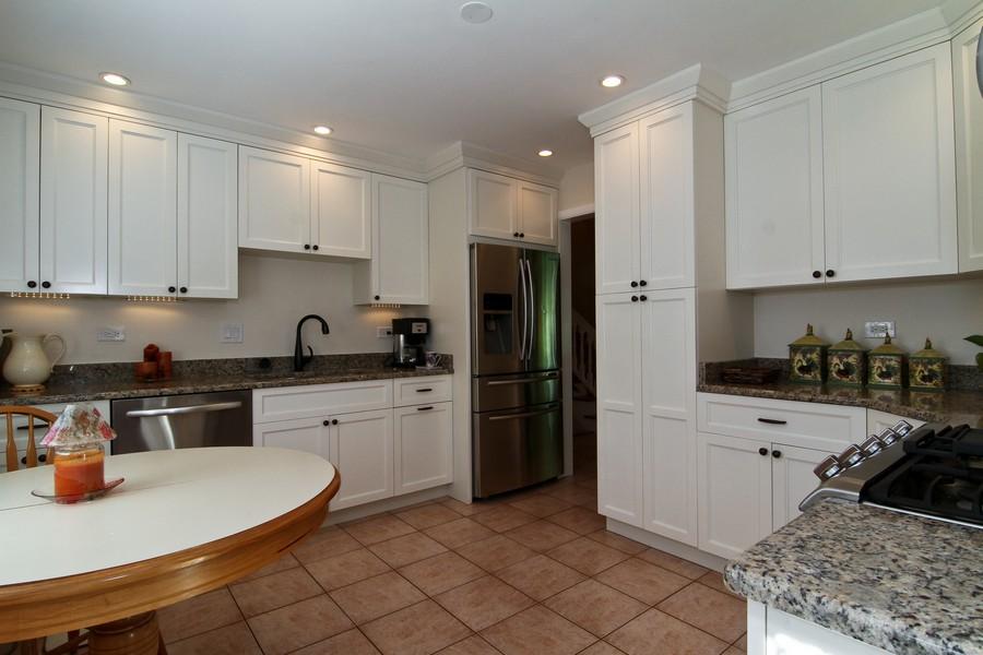 Real Estate Photography - 3 Shagbark Ln, Glen Ellyn, IL, 60137 - Kitchen