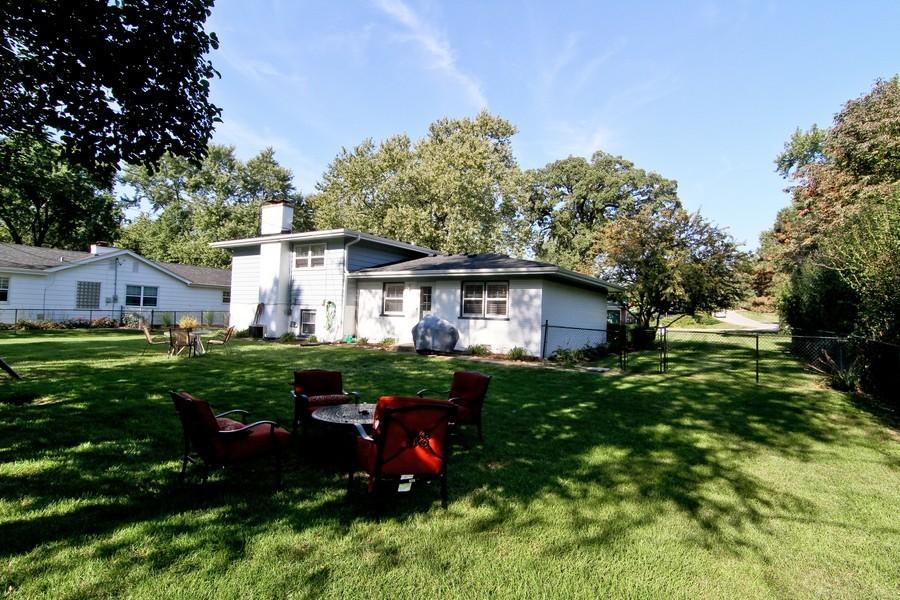 Real Estate Photography - 3 Shagbark Ln, Glen Ellyn, IL, 60137 - Rear View