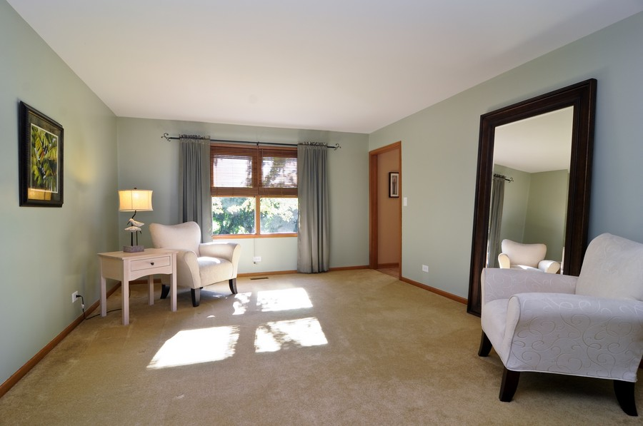 Real Estate Photography - 151 Deer Lane, Barrington, IL, 60010 - Living Room