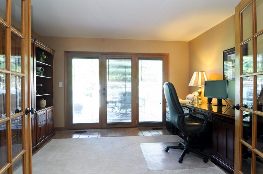 Real Estate Photography - 151 Deer Lane, Barrington, IL, 60010 - Office