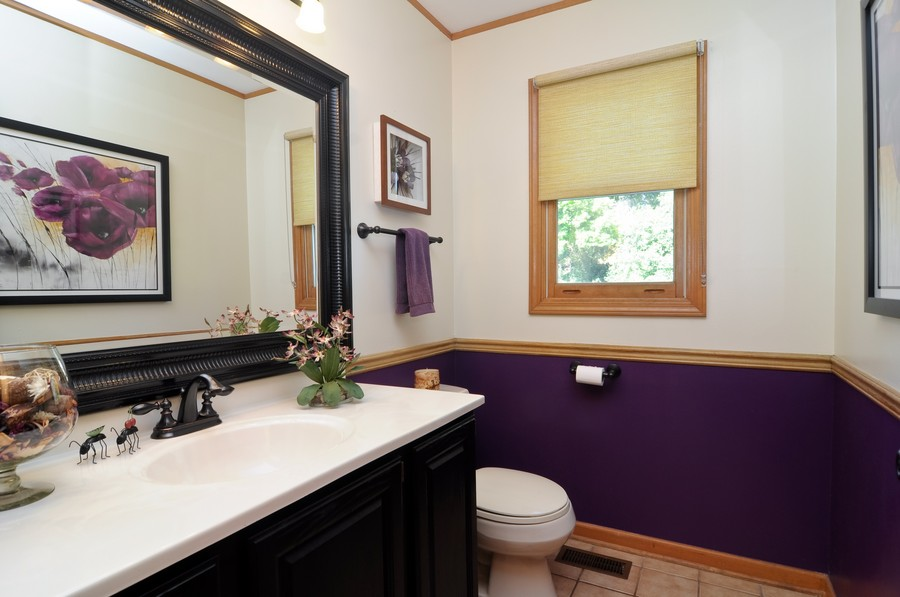 Real Estate Photography - 151 Deer Lane, Barrington, IL, 60010 - Half Bath