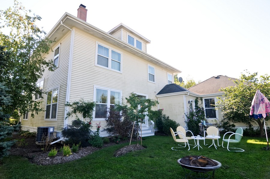 Real Estate Photography - 1403 Sunflower Ct, Grayslake, IL, 60030 - Back Yard