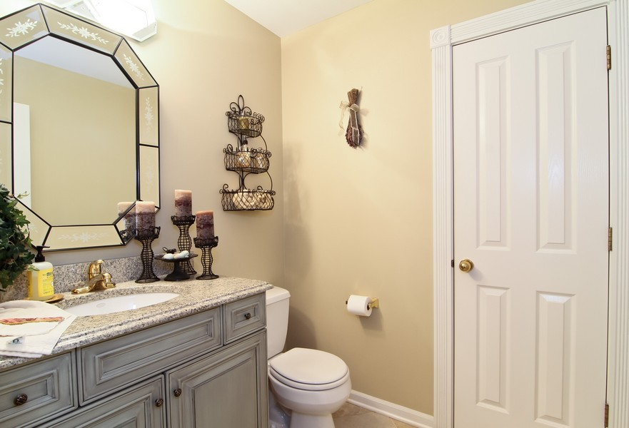 Real Estate Photography - 6521 Greene Rd, Woodridge, IL, 60517 - 3rd Bathroom