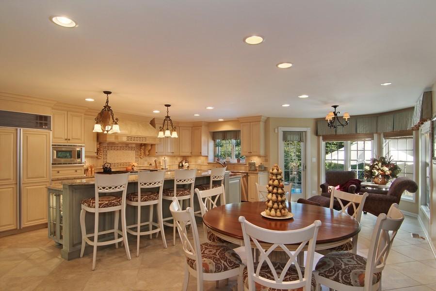 Real Estate Photography - 6521 Greene Rd, Woodridge, IL, 60517 - Kitchen / Breakfast Room
