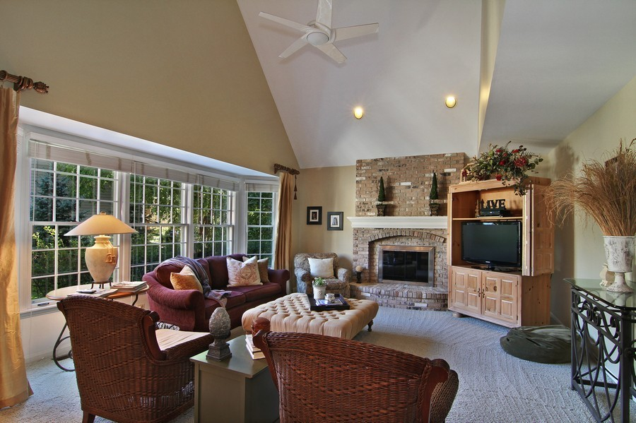 Real Estate Photography - 6521 Greene Rd, Woodridge, IL, 60517 - Family Room