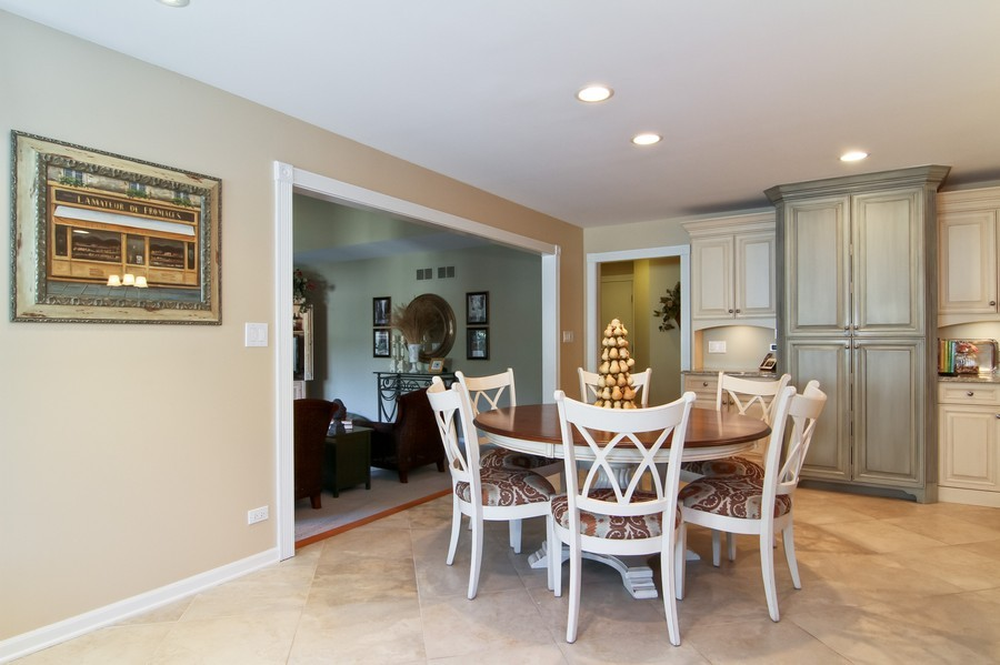 Real Estate Photography - 6521 Greene Rd, Woodridge, IL, 60517 - Breakfast Area