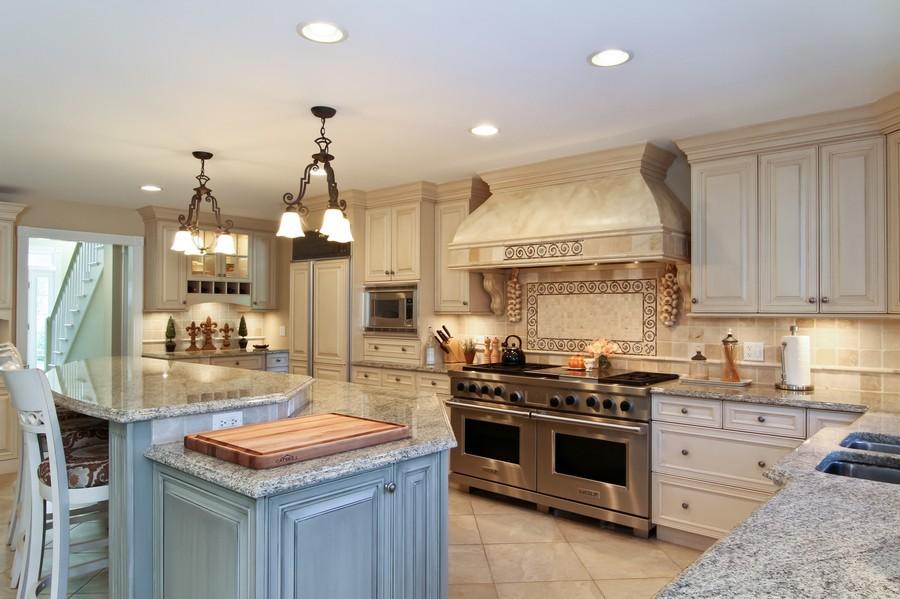 Real Estate Photography - 6521 Greene Rd, Woodridge, IL, 60517 - Kitchen