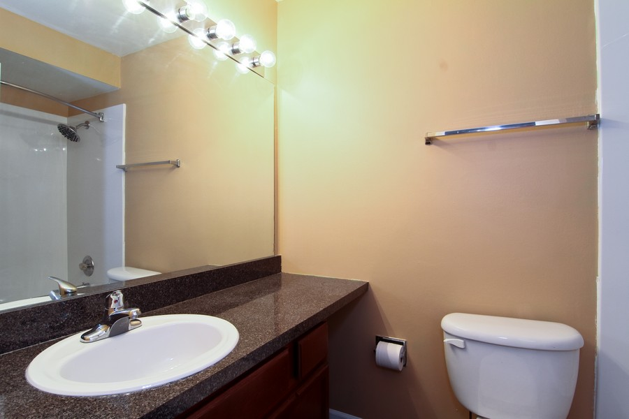 Real Estate Photography - 5825 Oakwood Dr, C, Lisle, IL, 60532 - Bathroom