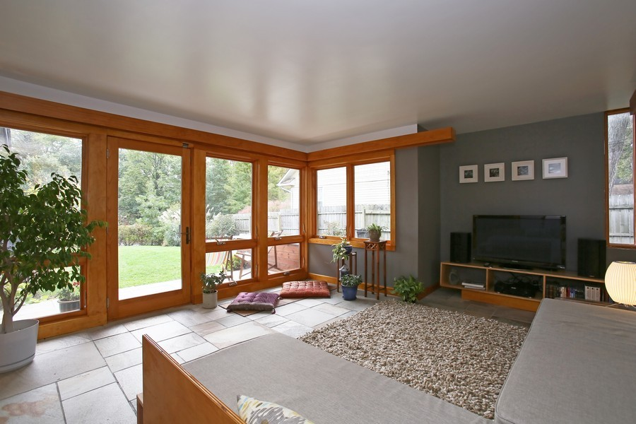 Real Estate Photography - 1205 Grant St, Downers Grove, IL, 60515 - Family Room