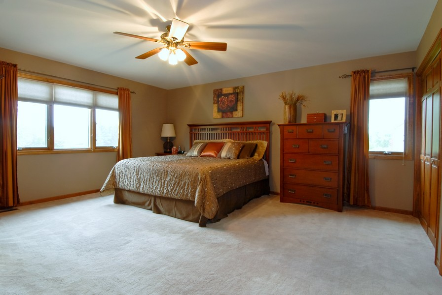 Real Estate Photography - 6N930 Glenview Dr, St. Charles, IL, 60175 - Master Bedroom