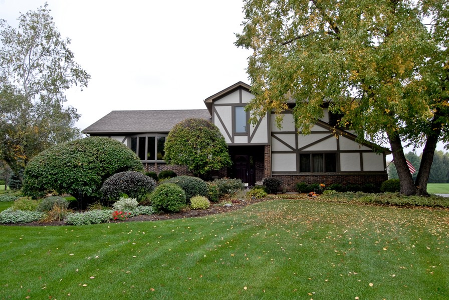 Real Estate Photography - 6N930 Glenview Dr, St. Charles, IL, 60175 - Front View