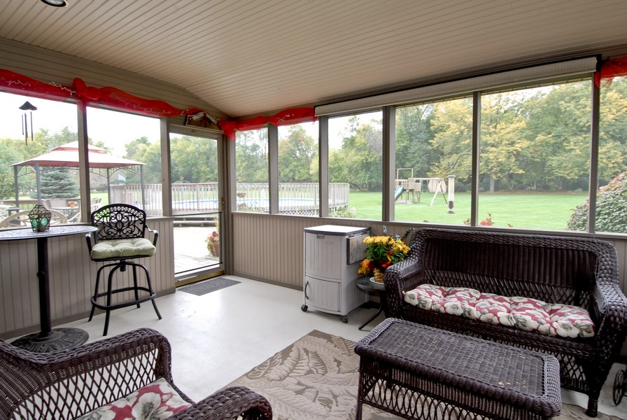 Real Estate Photography - 6N930 Glenview Dr, St. Charles, IL, 60175 - Sun Room