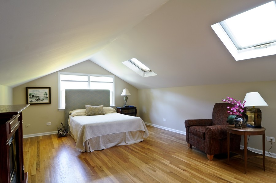 Real Estate Photography - 770 E Hillside Ave, Barrington, IL, 60010 - Bedroom