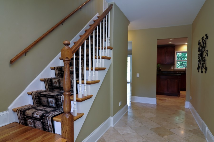 Real Estate Photography - 770 E Hillside Ave, Barrington, IL, 60010 - Foyer