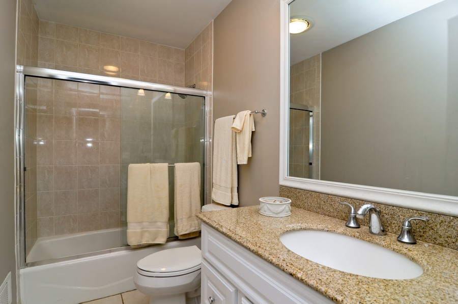 Real Estate Photography - 770 E Hillside Ave, Barrington, IL, 60010 - Bathroom